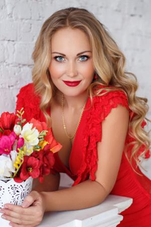 sexy-russian-women-dating-tour-service-denby-ashe-lesbian